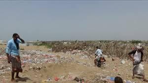 قصف مدفعي حوثي على تجمعات للنازحين في قرية المركوضة