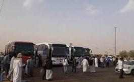 تكدس للمسافرين اليمنيين في منفذ الوديعة بسبب إجراءات سعودية جديدة