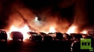 فيديو : المواجهات تتجدد في مدن الداخل.. إحراق سيارات ومطعم.. وعمدة مدينة اللد يطلب التدخل السريع