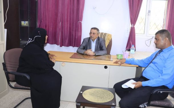 نائب وزير الشؤون القانونية و حقوق الإنسان يطلع على مركز الأحداث في عدن
