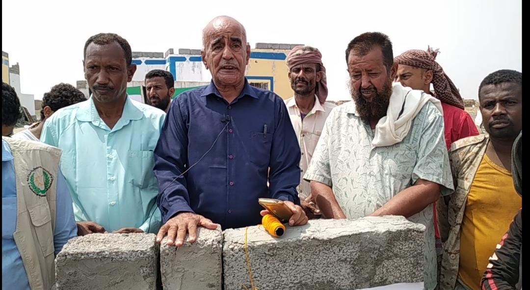مدير عام مديرية تبن يضع حجر الأساس لبناء مدرسة في منطقة بلحج