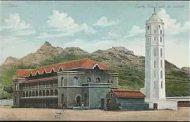 منارة عدن.. أيقونة المدينة الرابضة منذ مئات السنين
