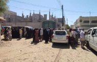 العشرات يتظاهرون لإقالة رئيس جمعية المعاقين ومدير الشؤون الاجتماعية بابين